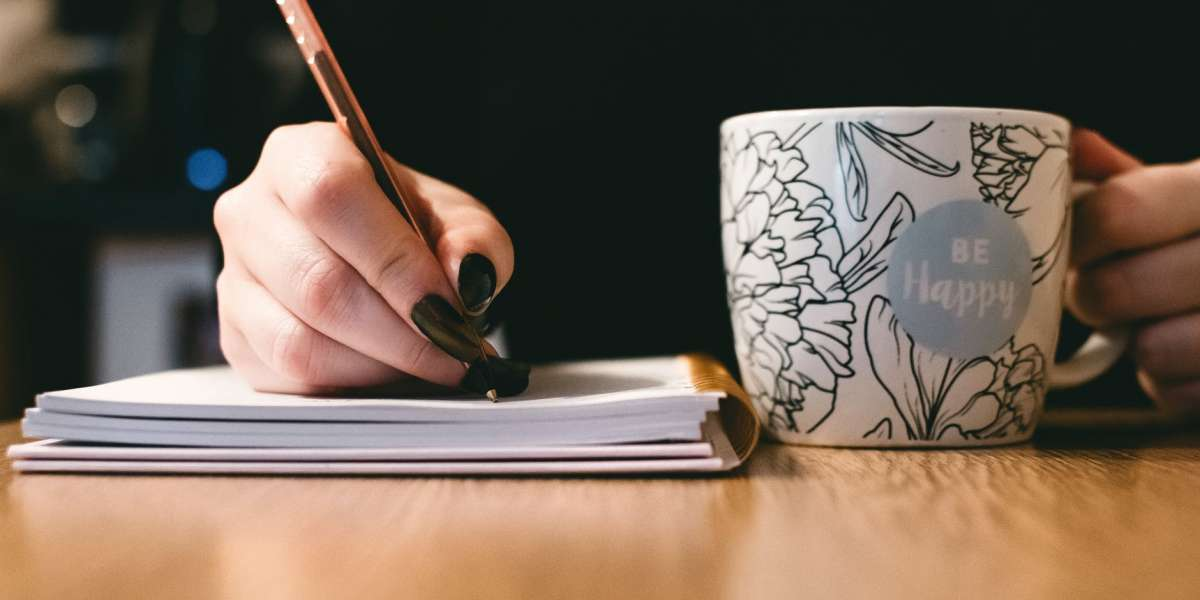 4 Ways ESL Students Can Improve Their English